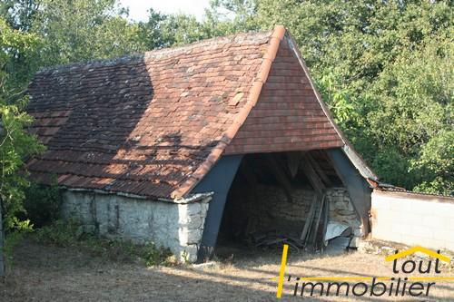 propri t en pierre restaurer isol e sur le causse maisons anciennes tout l 39 immobilier. Black Bedroom Furniture Sets. Home Design Ideas