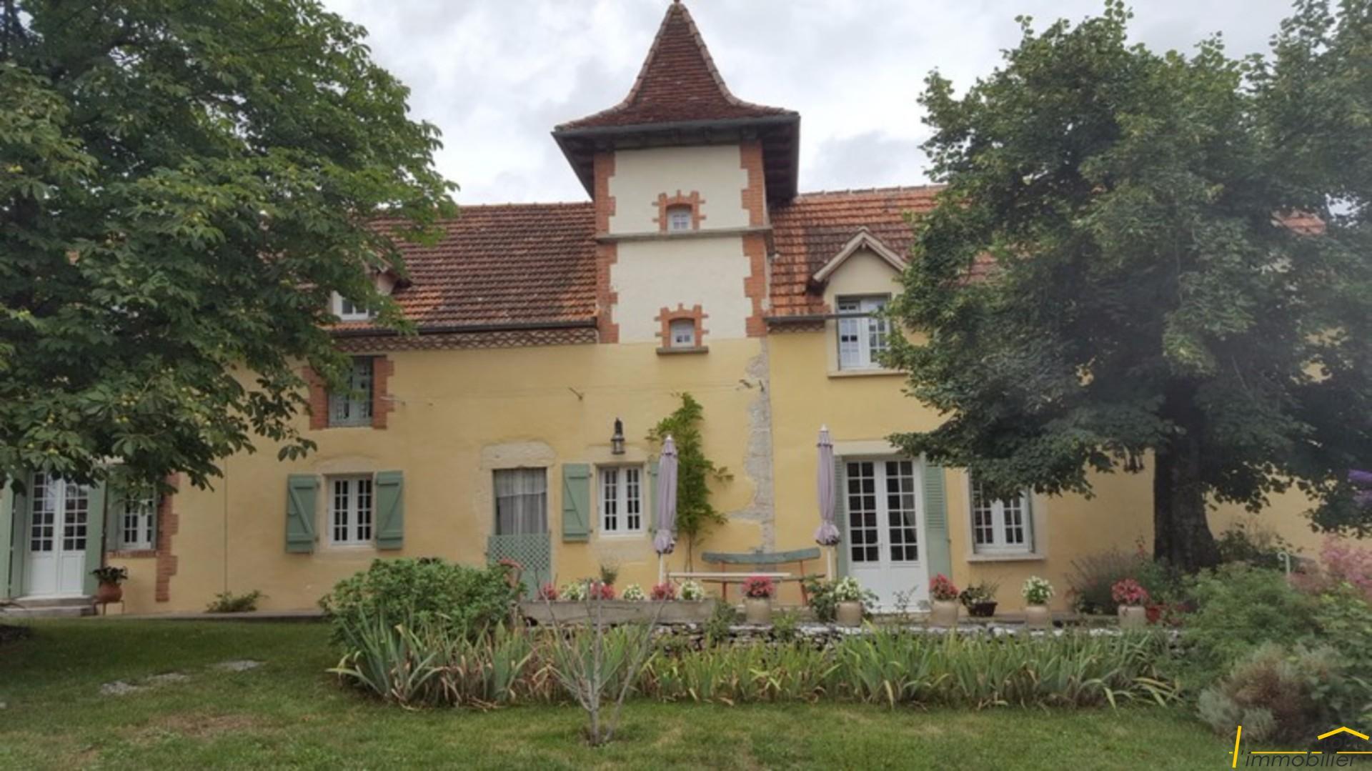 Maison De Caractère Dans Village Avec Jardin Et Dépendance   Gîtes U0026  Chambres Du0027Hôtes   Tout Lu0027Immobilier